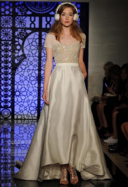 فستان زفافك الساتان الناعم