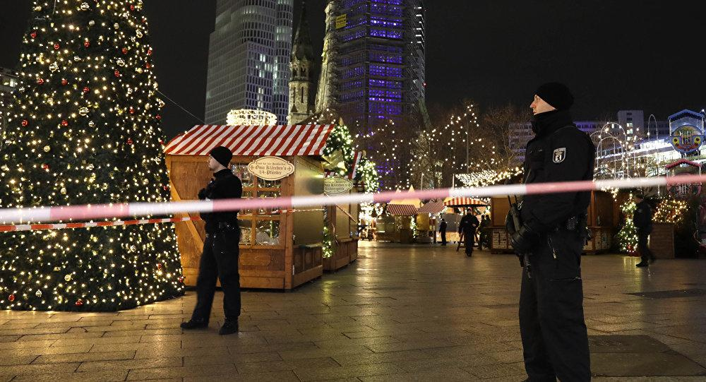 الشرطة الألمانية تخلي سوق لعيد الميلاد بمدينة بوتسدام